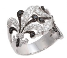 Design ring with K18 diamond