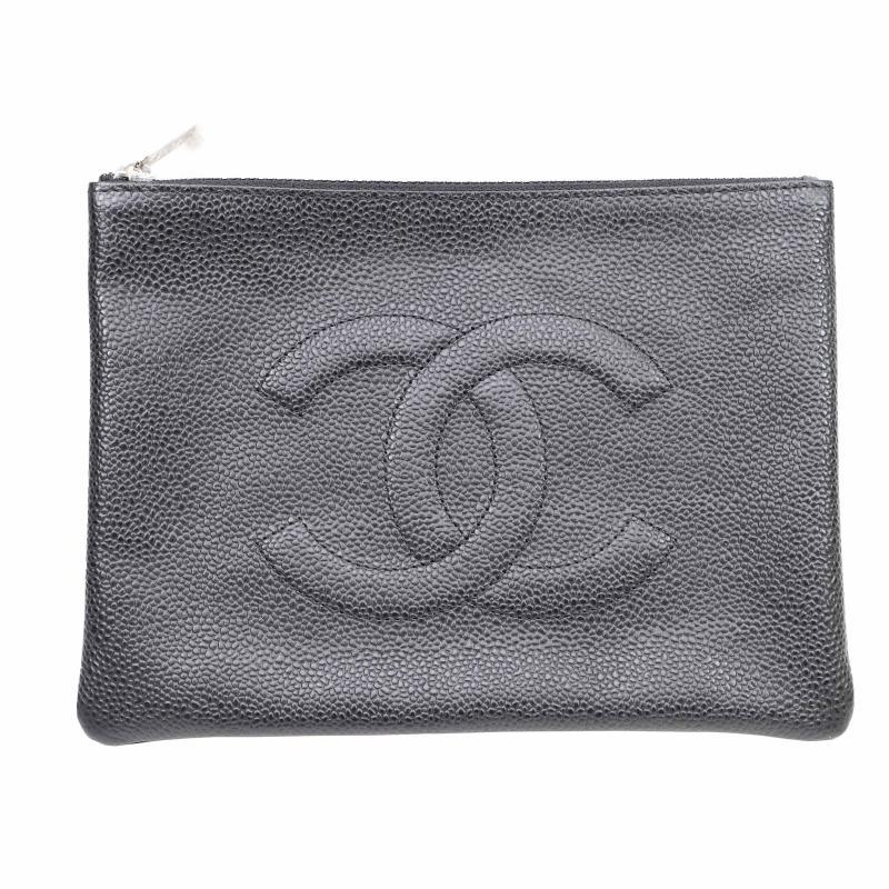 Chanel caviar skin pouch