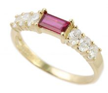Ruby ring 18K with diamond