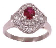 Design ring with ruby ​​diamond