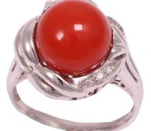 Design ring with natural coral diamond