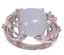 Design ring with aquamarine diamond