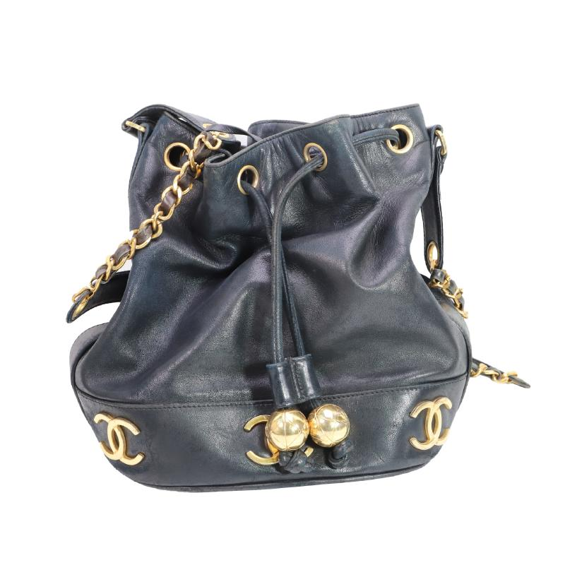 Chanel chain shoulder drawstring bag