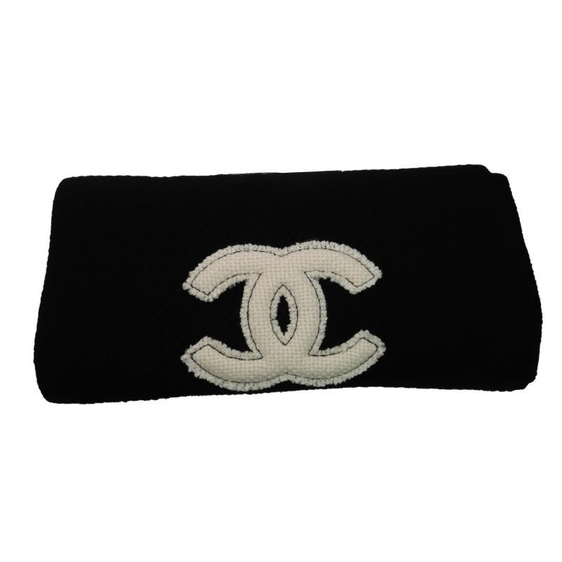 Chanel Coco Mark 100% cashmere muffler