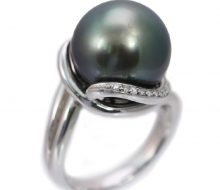 黒真珠リング PT900 ダイヤ付